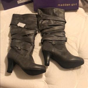 Madden Girl Grey Boots size 8: New in Box